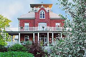 At Wolfe Island Manor B&B Wolfe Island