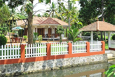 Coconut Creek Farm B&B Kumarakom
