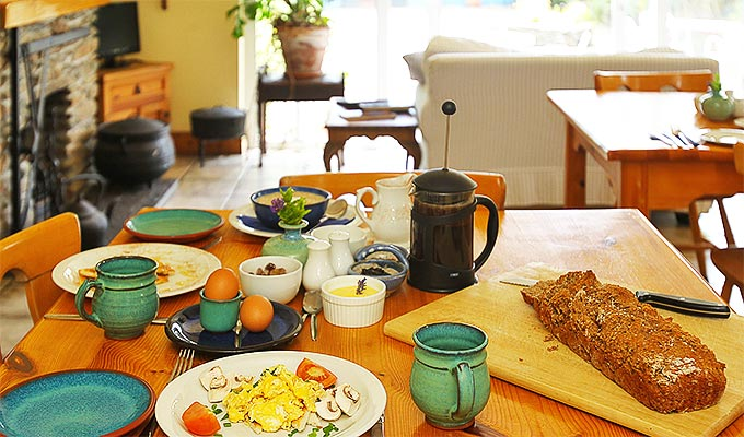 Breakfast cooked to order, homemade brown soda bread, a seasonal menu