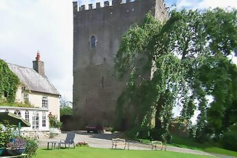 Ballaghmore Castle Guest Accommodation, Borris-in-Ossory, Laois