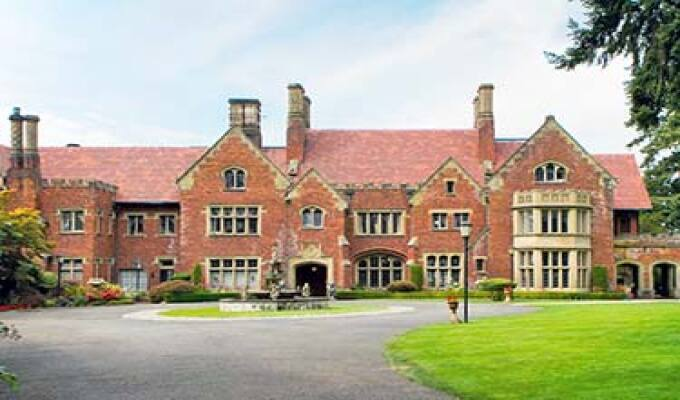 Castle Thornewood B&B Spanaway