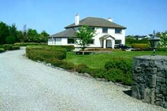 Castle View House B&B, Oranmore, Galway
