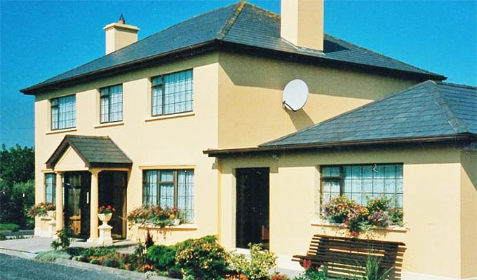 Country Haven B&B is ideally located for Ballybunion Golf Course and the Tarbert Ferry
