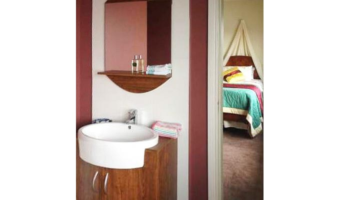 All rooms have en suite facilities