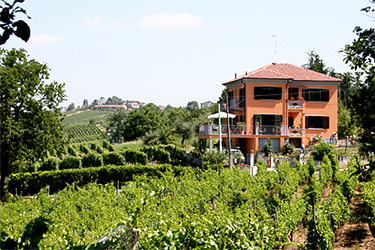 Villa I Due Padroni B&B Montecalvo Versiggia