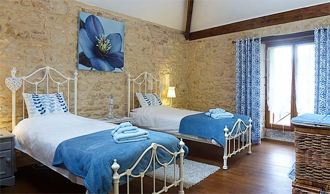 3 lovely bedrooms , two with king beds and the other with 3 singles