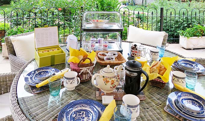 Weather permitting(which it usually does) breakfast can be taken on the terrace