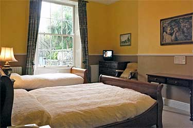 bnb reviews Harveys Guesthouse