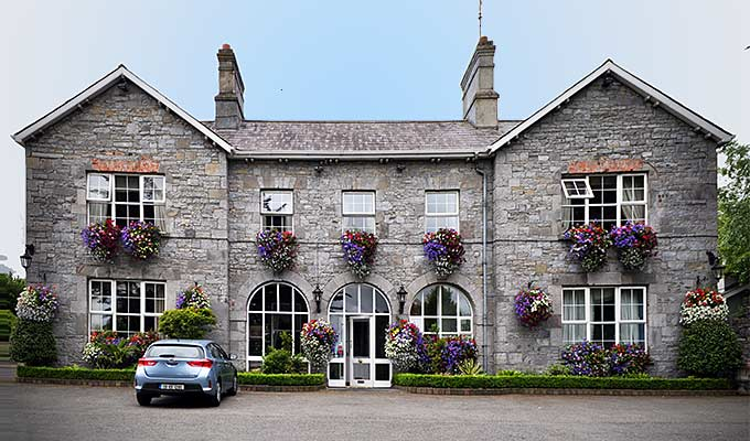 Highfield House, Trim
