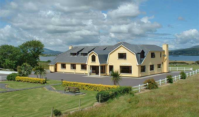 Lakelands Farm Guesthouse Waterville