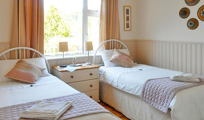 The B&B offers Single, Double and Twin rooms.